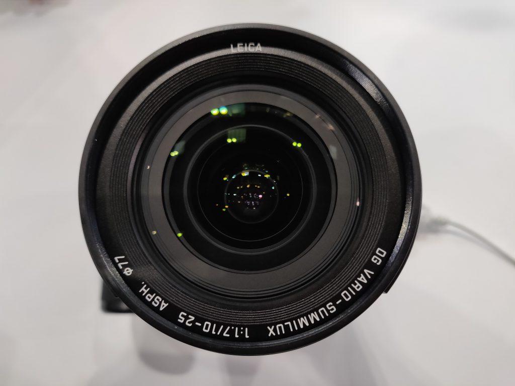 Panasonic Leica 10 25mm f1 7 zoom 5 1552762055 1024x768 - Panasonic LEICA 10-25mm F1.7レンズの試作機の画像が掲載