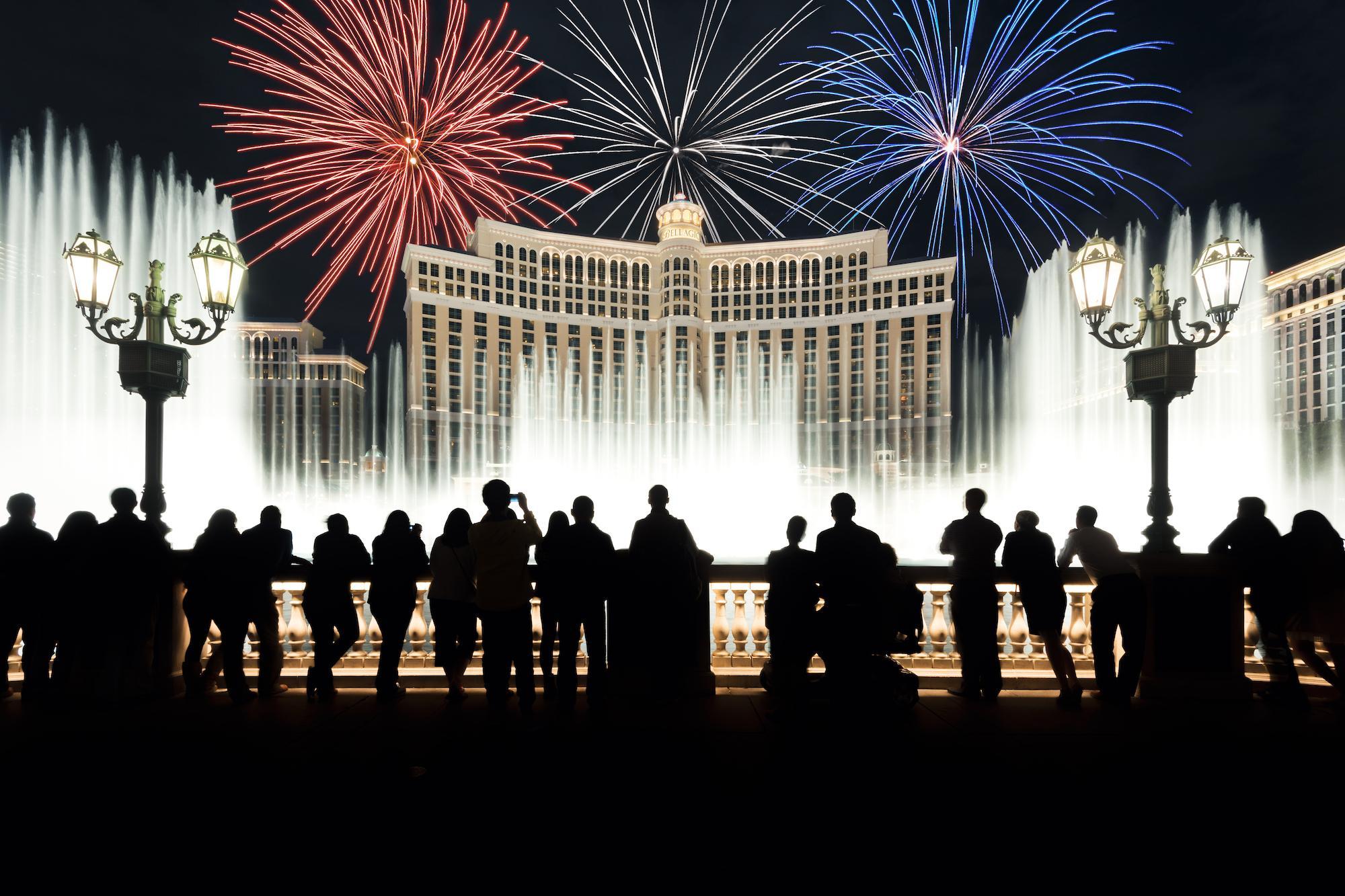 mathewbrowne fireworks vegas after - Luminar Marketplaceで購入できる空のオブジェクト一覧(Luminar 4)